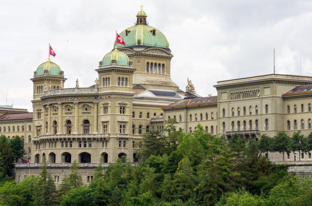 800 Franken pro Schulpferd oder Schulpony fordern SVPS und SHP von Bundesbern für die Schweizer Reitschulen: © Can Stock Photo / Arsty