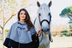 Für Flore Espina ist das Pferd nicht nur ein Freizeitpartner, sondern auch die Motivation, die täglichen Herausforderungen zu bewältigen. ©zVg
