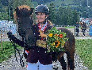 Indira Scherrer mit Sleipnir vom Neckertal erritten sich zusammen drei Meistertitel. (Bild zVg)
