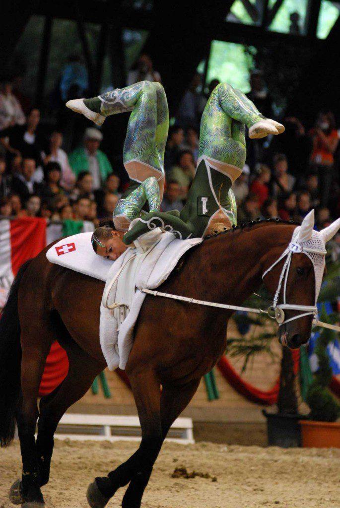 Das Schweizer Voltige-Kader an den Weltmeisterschaften 2007 in Ungarn. (Bild Shutterstock)